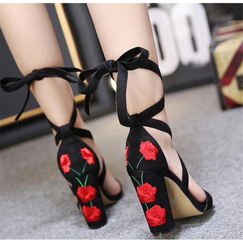 Black Rose Embroidered Peep Toe Super High Heel Platform Pumps