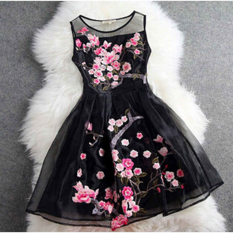 Black Sleeveless Organza Short Prom Flower Embroidery